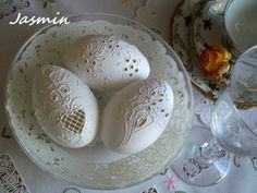 Carved Eggs, Egg Art, Easter Eggs, Carving, Breakfast, Easter Ideas, Decor, Image, Wood