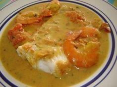 Dos de cabillaud au curry, crevettes et lait de coco - Recette Ptitchef