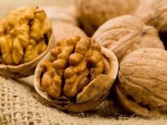 To say that walnuts are a wholesome food may be a little bit of a real understatement. Walnuts offer healthy fats, fiber, vitamins and . Top 10 Healthy Foods, Heart Healthy Recipes, Gourmet Recipes, Healthy Snacks, Snack Recipes, Healthy Eating, Le Cassoulet, Nutrition Guide, Healthy Snack Recipes