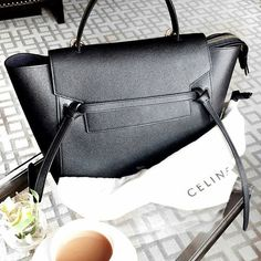 Timeless elegance with Celine Belt handbag. Handbags On Sale, Luxury Handbags, Purses And Handbags, Designer Handbags, Versace Handbags, Stylish Handbags, Fashion Handbags, Fendi, Gucci