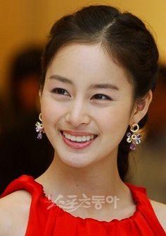 "Actress Kim Tae Hee from ""Jang Ok Jung"" - she did a great job. Ulsan, Korean Beauty, Asian Beauty, Taekwondo Girl, Kim Tae Hee, Korean Star, Asian Hair, Japan Girl, Korean Actresses"