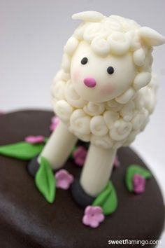 fondant lamb cake topper | Little Lamb Baby Shower | Sweet Flamingo Cake Co. www.sweetflamingo ...