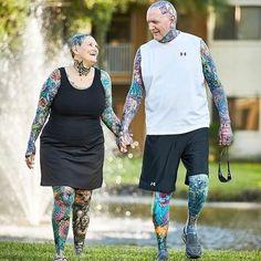 Charlotte Guttenberg & Chuck Helmke - Most Tattooed Senior Citizens Guinness… Old Tattooed People, Tattoo People, Old Tattoos, Life Tattoos, Tatoos, Guinness World, Body Modifications, World Records, First Tattoo