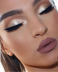 Prom makeup Prom Make-up Related posts: Makeup Prom Glam 21 Ideas For 2019 Makeup looks for brown eyes prom eyebrows Ideas Prom Makeup Gold Makeup Looks, Fancy Makeup, Prom Makeup Looks, Makeup For Brown Eyes, Cute Makeup, Perfect Makeup, Glam Makeup, Makeup For Gold Dress, Wedding Eye Makeup