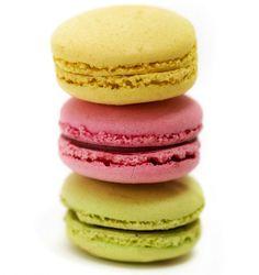 I miss macarons! Macarons, Salted Caramel Macaron, France, Fun Desserts, Good Food, Food Porn, Food And Drink, Favorite Recipes, Treats
