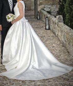 ¡Nuevo vestido publicado! PRONOVIAS 2015 mod. Barcaza ¡por sólo 1000€! ¡Ahorra un %! http://www.weddalia.com/es/tienda-vender-vestido-novia/pronovias-2015-mod-barcaza/ #VestidosDeNovia vía www.weddalia.com/es