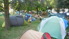 cotignyork. preparazione al sabato notte. tende al parco zanzi