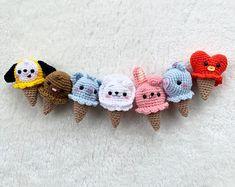 Kawaii Crochet, Crochet Disney, Cute Crochet, Crochet Crafts, Crochet Projects, Crochet Keychain Pattern, Crochet Doll Pattern, Crochet Patterns Amigurumi, Crochet Dolls