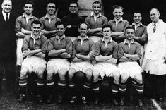 The Way We Were: Glory, Glory Man United - the Reds in pictures - Manchester Evening News Manchester United Champions, Manchester United Images, Manchester United Players, Leeds United, Manchester City, Liverpool Images, Manchester United Old Trafford, Oxford United