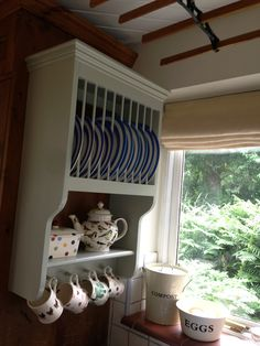 Plate rack painted in French grey by Farrow and Ball. Cornish blue and Emma Bridgewater crockery. Cottage Living, Cozy Living Rooms, Living Room Grey, Furniture For Small Spaces, Living Room Furniture, Living Room Decor, Plate Racks In Kitchen, English Cottage Kitchens, Brown Decor