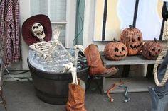 HF member vignette~stealing the bubble bath idea. Casa Halloween, Outdoor Halloween, Halloween Ghosts, Halloween 2017, Holidays Halloween, Happy Halloween, Halloween Party, Halloween Forum, Halloween Mantel