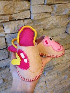 Ciabattine in feltro per bimba Peppa Pig:)
