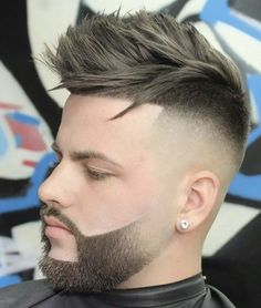 Faux Hawk + High Skin Fade - 20 Popular Fade Haircuts with Beard Styles Fade Haircut With Beard, Skin Fade With Beard, Pompadour Fade Haircut, Beard Haircut, Beard Fade, Mens Hairstyles With Beard, Quiff Hairstyles, Haircuts For Men, Beard Styles For Men