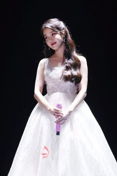 IU's Sequin Wedding Dress Melon Music Awards in 2017 - Lunss Iu Fashion, Korean Fashion, Kpop Girl Groups, Kpop Girls, Korean Celebrities, Celebs, Korean Girl, Asian Girl, Iu Hair