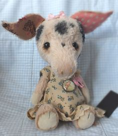 """""""Freckle"""" the piglet. By Ragtail n Tickle."""