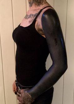 solid black tattoo ideas for women © tattoo artist dekalcomanu 💗💗💗💗 Solid Black Tattoo, Black Tattoos, Tribal Tattoos, Girl Tattoos, Tattoos For Women, Tattoo Girls, Cover Tattoo, Arm Tattoo, Tattoo