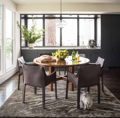 20 Contemporary Dining Rooms with Circular Wooden Tables