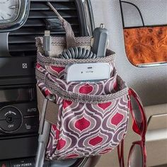Cell Phones Without A Contract Cell Phone Deals, Cell Phone Service, Best Cell Phone, Car Cell Phone Holder, Air Vent Phone Holder, Car Charging Stations, Cell Phones In School, Pretty Cars, Baby Car Seats