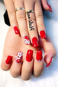 80 ideas to create the best Halloween nail decoration - My Nails Us Nails, Swag Nails, Red Manicure, Red Nail Designs, Party Nails, Halloween Nail Art, Nail Decorations, Beautiful Nail Art, Nail Tutorials