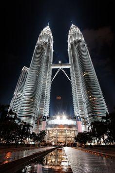 Petronas Towers (1998 / 452 m) - #KualaLumpur   #Malaisie  