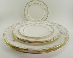 Wedgewood china dinnerware Carisbrooke fine china by CleverRuthie, $75.00