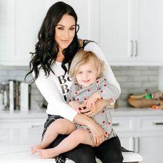 Mama Brie and Birdie Joe☀️ Daniel Bryan Wwe, Bella Sisters, Nikki And Brie Bella, Wwe Female Wrestlers, Aj Lee, Wwe Womens, Wwe Divas, Dancing With The Stars, Little Girls