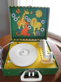 Vintage Toy Childrens Record Player 45's 33's Major Electronics Corp