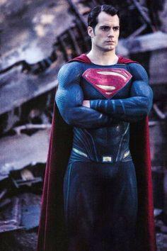 Henry Cavill as Clark Kent/Superman in Man of Steel Batman v. Superman: Dawn of Justice League Superman Man Of Steel, Batman Vs Superman, Kalel Superman, Superman Artwork, Superhero Superman, Batman Arkham, Batman Art, Batman Robin, Supergirl