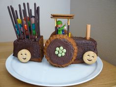 Tractor Birthday Cakes, 3rd Birthday Cakes, Food Art For Kids, Cooking With Kids, Different Cakes, Cakes For Boys, Food Humor, Party Snacks, Celebration Cakes