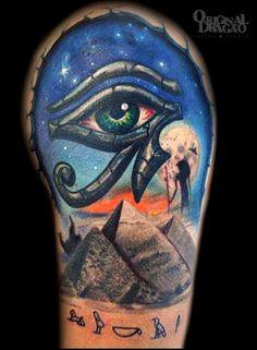 Egyptian Eye Of Horus Tattoo Design Dragao Cool Tattoos For Guys, Badass Tattoos, Sexy Tattoos, Unique Tattoos, Tatoos, Amazing Tattoos, Horus Tattoo, O Tattoo, Cover Tattoo