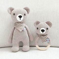 The sweet two bears are still waiting for their buddy, the little elephant. If he& done pretty well with his bow, the three of them are going big 🙂 Marie Soraya - Crochet Teddy, Crochet Bunny, Crochet Animal Patterns, Stuffed Animal Patterns, Pet Toys, Baby Toys, Teddy Ruxpin, Crochet Dinosaur, Dinosaur Hat