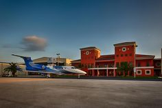 Captured for Landmark Aviation in Florida at Tamiami Airport (TMB) in West Miami this was an early departure and a chance to get a shot of a beautiful building and aircraft Kevin Blackburn Photography | Landmark-Avaiation-Kevin-Blackburn-Photography-Tammiami-FL Commerical + Editorial Photography