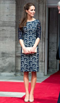 I just love the lace detail on it - and the Duchess inside it!