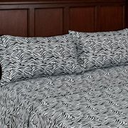 pair with solid comforter?