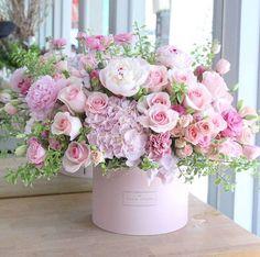 Pink Rose Bouquet, Peonies Bouquet, Pink Roses, Bouquets, Deco Floral, Arte Floral, Silk Flowers, Beautiful Flowers, Cut Flowers