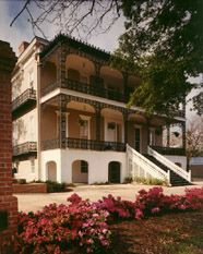 The Duff Green Mansion, circa 1856 ~ Bed and Breakfast Inn ~ Vicksburg, Mississippi Southern Mansions, Southern Plantations, Haunted Hotel, Haunted Places, Weekend Trips, Vacation Trips, Vicksburg Mississippi, Revival Architecture, Antebellum Homes