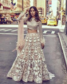 New Wedding Indian Bridal Lehenga Pakistani Dresses 61 Ideas Indian Bridal Outfits, Pakistani Outfits, Indian Dresses, Indian Lehenga, Lehenga Designs, Party Kleidung, Indian Couture, Indian Attire, Indian Designer Wear
