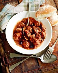 Beef Trinchado Potjie (a rich, Portuguese garlic and chilli-flavoured beef stew)