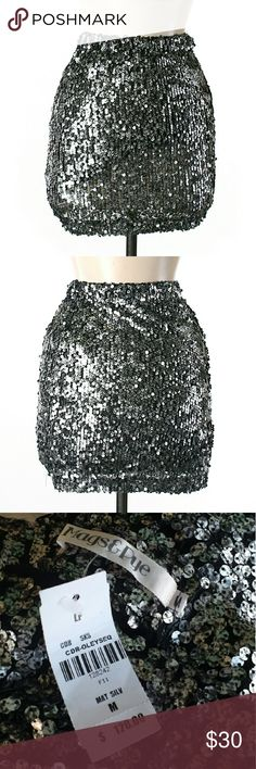 *$10 SALE* NWT LF Mags&Pye Silver Sequins Skirt Measurements-  Small:         Waist laying flat measures 11in but stretches to 16in         Length is about 17in  Medium:         Waist laying flat measures 12in but stretches to 18in         Length is about 17in   #NWT #silver #sequins #bling #sparkly #shiny #glittery #mini #skirt #miniskirt #stretchy #comfy #nightout #datenight #party #dancing #clubbing #rave #spring #summer #fallfashion #fall #winter #anytime #goeswitheverything #neutral…