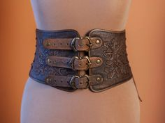 Item details: Brand Tirith Leather Cfaft presents new item for lovely customers. This is a brand leather underbust corset which may be made