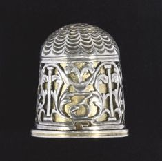 A GERMAN SILVER AND SILVER-GILT THIMBLE UNMARKED, GERMAN, PROBABLY NUREMBURG…