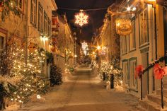 Quebec City, Quebec, Canada. I have seen other pictures of Quebec in the Winter...so beautiful~