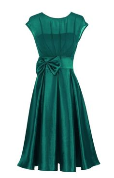 A classic feminine 50 s vintage inspired chiffon bridal satin occasion wedding bridesmaid dress in a beautiful emerald green colour Flattering fit