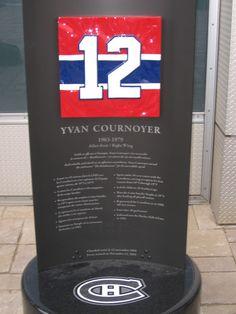 Surnommé ''RoadRunner''Sa vitesse fut de lui un des grand ailliers du canadien;Yvan Cournoyer #12 Montreal Canadiens, Hockey Teams, Hockey Players, Nhl, Team Player, Temple, Temples