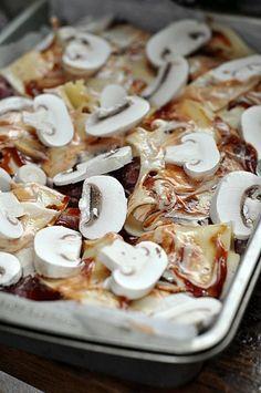 Karczek pod pierzynką Turkish Recipes, Ethnic Recipes, Keto Recipes, Cooking Recipes, Polish Recipes, Polish Food, Keto Meal Plan, Group Meals, Food Design