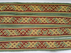 Øvre Berge family - 16 pattern tablets inspired by the Øvre Berge braid from Lyngdal, Norw ay, 500 tablet woven by Randi Stoltz