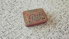 Old Pathé box with needles for phonograph #vintage #phonograph #pathé #oldschool #fifties