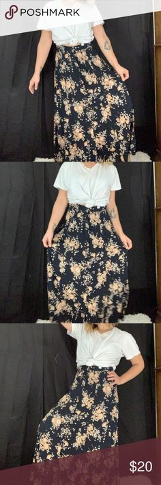 d0259de3640f1 Sold on depop @caitibemis Very pretty and comfortable button front skirt by  sag harbor. Ultra on trend this summer and perfect for so many occasions!