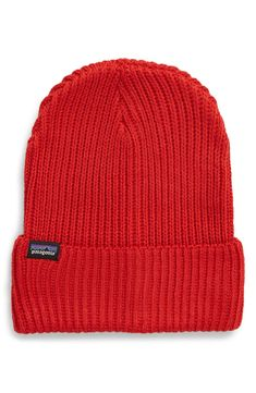 Patagonia Fisherman Beanie In Rincon Red Red High, World Of Fashion, Patagonia, Cold Weather, Luxury Branding, Gift Guide, Knitted Hats, Cool Style, Beanie