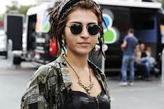 rock it Round Sunglasses, Sunglasses Women, Street Style, My Style, Istanbul, Rock, Fashion, Moda, Round Frame Sunglasses